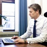Danske Banks topchef afviser at kommentere, om banken har planer om at hæve bidragssatser for realkreditlån.