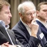 Bestyrelsen i TryghedsGruppen anført af formand Jørgen Huno Rasmussen (i midten) fik mandag nedstemt omstridt forslag. Til højre sidder Jens Bigum, formand for repræsentantskabet, og til venstre Søren Kristiansen, adm. direktør i Tryghedsgruppen.