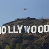 Den høje aktivitet af massive investeringer og opkøb i Hollywood skyldes, at kinesiske selskaber ønsker at lære fra filmbranchen i Hollywood.