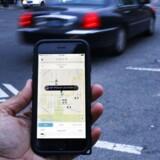 Efter lang tids stridigheder mellem taxachauffører og Uber-chauffører er det nu blevet tid for en domstol af afgøre, om landets mange Uber-chauffører rent faktisk bryder loven. Uber-chaufførerne mener ikke selv, at der er tale om taxakørsel. De mener, at det er samkørsel, og at det derfor er fuldt lovligt at være chauffør i en Uber-bil.