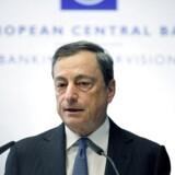 Mario Draghi udtalte ellers den 31. oktober, at det endnu er et »åbent spørgsmål,« om Styrelsesrådet for ECB på sit næste møde den 3. december, vil sænkes renten, eller trappe sine aktuelle opkøb af obligationer op. Det har de sidste dage skabt lidt usikkerhed og fået kursen på obligationer til at falde.