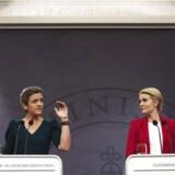 Statsminister Helle Thorning-Schmidt( og økonomi- og indenrigsminister Margrethe Vestager(tv) præsenterede torsdag. d. 8 maj regeringens nye vækstplan