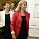 Statsminister Helle Thorning-Schmidt og justitsminister Mette Frederiksen fremlagde torsdag et udlændingeudspil med titlen »Vi skal kunne følge med«.