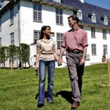Bye bye Schackenborg, Joachim og Marie bytter slotstilværelsen i det rolige og idylliske Møgeltønder ud med en villa i Københavnsområdet.
