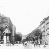 Indkørslen til Frederiksberg Allé set fra Vesterbrogade med ejendommene på hjørnet af Værnedamsvej yderst til højre. På den grund lå velhavervillaen »Syvstjernen« for 200 år siden, da den ved en administrativ fejl blev en del af amtet og efterfølgende kom til at ligge på Frederiksberg. Foto fra 1919, da der var biograf på hjørnet. Før og nu, 5. årg.