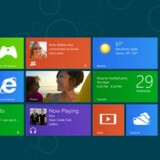 Der bliver lidt at vænne sig til for Windows-brugerne, når Windows 8 kommer til oktober. Startskærmen er nemlig nu som på en Windows Phone-telefon med interaktive, farvede fliser, men bagved gemmer sig også det klassiske Windows-skrivebord.