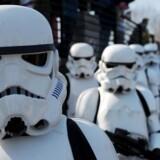 De nye Star Wars film og dermed stormtropper står i kø fra år 2015.