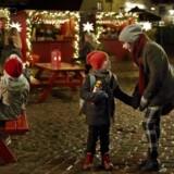 Julemarkedet på Badstuevælen i Dragør, hvor DR-julekalenderen »Tidsrejsen« foregår.