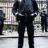 ARKIVFOTO: Bevæbnet politi foran synagogen i København.