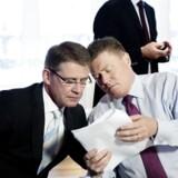 Administrerende direktør Lars Rebien Sørensen (tv), Jesper Brandgaard (th) har i dag præsenteret regnskab for årets seks første måneder. Her er det et billdede fra årsregnskab torsdag d. 30. januar 2014.