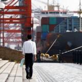 »Det er kommet til vores kendskab, at nogle havne og containerhåndteringsfaciliteter ikke længere accepterer eller håndterer Hanjin Shipping-gods eller containere,« skriver OOCL
