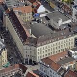 Regina-bygning på hjørnet af Søndergade og Sønder Allé. Prisen for de cirka 12.000 kvadratmeter er 275 millioner kroner.