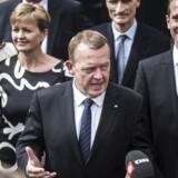 Regeringens nye ministre bliver introduceret på Amalienborg i København. Lars Løkke Rasmussen med sit nye ministerhold