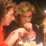 George Michael i musikvideoen til Last Christmas. Videoen er i øvrigt den sidste, hvor George Michael optræder uden skæg.