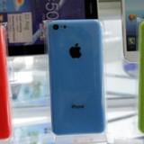 Apple-udstyr som de nye iPhone 5C-telefoner tiltrækker sig også større opmærksomhed hos hackere, som forsøger at aflure folk deres adgangskoder og kontonumre. Foto: Kim Kyung-Hoon, Reuters/Scanpix