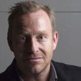 Adam Price har skrevet teaterstykket »Samtale før døden«, der i øjeblikket spilles i Stockholm. Stykket har ført til, hvad avisen Dagens Nyheter kalder »Vinterens debat«.