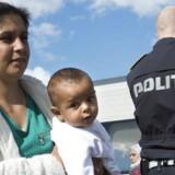 Politiet øger bemandingen i Sønderjylland og på Lolland på grund af den store tilstrøming af flygtninge.