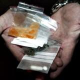 Arkivfoto fra natpatrulje med narkopolitiet. Nattens fangst.