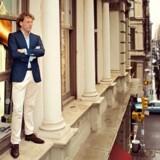 I de første år drev Fokke de Jong firmaet fra sin bil, mens han kørte rundt til kunder. I dag har Suitsupply butikker i Europa, USA og Kina, mens man har franchiseaftaler i de baltiske lande, Rusland, Hviderusland og Mexico
