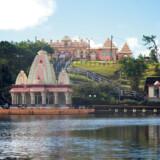I bjergene midt på Mauritius centrale plateau ligger søen Grand Bassin, også kendt som Ganga Talao. For øens mange hinduer, er Grand Bassin Mauritius' helligste sted.
