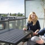 Michael Kappel og Julie Mosfeldt har netop overtaget deres nye projektlejlighed på Refshaleøen i København.De skrev under på købsaftalen i slutningen af maj, solgte deres toværelses lejlighed på Amager fem dage senere og flyttede ind 1. juli. Ifølge ejendomsmægleren, der har stået for salget, er lejligheden allerede på 14 dage steget fra 3, 5 mio. kr. til 3, 7 mio. kr. i værdi.