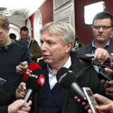 Uffe Elbæk (R) ankommer til samråd indkaldt af Folketingets Kulturudvalg, hvor Elbæk tirsdag blev grillet i fire timer.