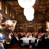 Iværksætteren bag Tiger-butikkerne, Lennart Lajboschitz (t.v.), modtager MMM-prisen ved en award-dinner i den gamle børssal. Prisen uddeles af brancheforeningen Detail-forum, og Lajboschitz får prisen for at have opbygget Tiger, som nu har vokset sig stor til en international kæde med 423 butikker i 25 lande. Alene i år har Tiger åbnet 185 nye butikker, og om en måned åbnes den første i USA. Det var Magasin du Nords administrerende direktør Peter King (t.h.), der overrakte MMM-prisen, som regnes for den fornemste pris i dansk detailhandel.