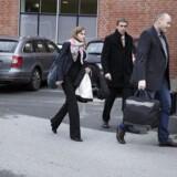 Anklagerholdet fra Bagmandspolitiet (SØIK) bestående af specialanklager Jørn Thostrup (tv.) og advokat Ane Kallmayer Bach samt statsadvokat John Brix Pedersen ankommer til retten i Hjørring.