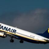 Tredje kvartal landede langt bedre end ventede for det irske flyselskab Ryanair, der leverede en bundlinje på lige under 50 mio. euro.