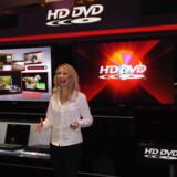Optimismen var stadig stor på Toshibas HD-DVD-stand på verdens største messe for forbrugerelektronik i Las Vegas, USA, men kort efter gav Toshiba op. Foto: Thomas Breinstrup