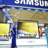 Ultra-HD-fjernsyn slåes op som det helt store af TV-producenterne, der håber på at få fornyet gang i salget. Arkivfoto: Jung Yeon-Je, AFP/Scanpix