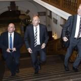 Kristian Thulesen Dahl, Peter Skaarup og Søren Espersen fra DF ankommer til forhandlinger med Lars Løkke Rasmussen.