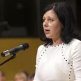 EU-kommissær for retslige anliggender, forbrugere og ligestilling, Věra Jourová, fastslår, at der behov for at ændre de nuværende regler.