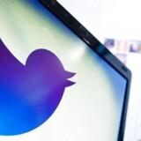 Det sociale netværk Twitter har i en meddelelse til det amerikanske finans- og børstilsyn meddelt, at 8,5 procent af Twitters brugerkonti er forbundet med tredjepartssystemer, der automatisk deler statusopdateringer uden en bruger tager del i det.