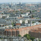 For 20 år siden var der ikke en eneste af de københavnske bydele på top ti-listen over de byer og områder med de højeste kvadratmeterpriser på ejerlejligheder. I dag har de indtaget syv ud af ti pladser øverst på listen.