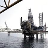A.P. Møller-Mærsk må omstille forretningen efter den svingende oliepris og droppe de hidtil udmeldte vækstmål.
