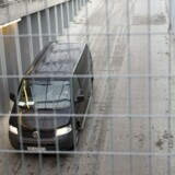 Fangetransporten med den 54-årige Sam Mansour på vej til retten på Frederiksberg.