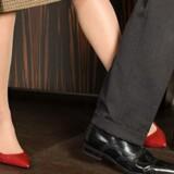 Kvindekønnet gør hvad det kan for at hale ind på manden. Det bliver ikke let for ham i fremtiden.