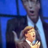 Bill Gates i hans storhedstid. Han byggede Microsoft op fra grunden og blev verdens rigeste mand på det. Her er vi i Atlanta 25. april 1995, hvor han afslørede releasedatoen for Windows 95.