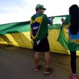 """Kreditvurderingsinstituttet Standard & Poor's (S&P) advarede tirsdag, at Brasiliens kreditvurdering er i risikozonen for at dykke fra """"investment grade"""" til """"junk""""."""