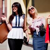 Der skal shoppes igennem når veninderne tager på storbyferie.