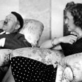 Hitler led af både svimmelhed, højdeskræk og klaustrofobi - måske er det derfor han er slumret ind og helt har glemt elskerinden Eva Braun.