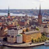 Stockholm ligger fantastisk smukt på en rækker øer og holme i den svenske skærgård. Byen har alt fra flotte, gamle kvarterer til trendy modebutikker og et hipt natteliv.
