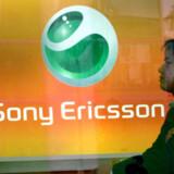 Det pressede mobilmarked, som elektronikgiganten Sony også er inde på via halvparten i Sony Ericsson, er med til at forværre Sonys regnskab. Foto: AFP/Scanpix