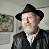 Kurt Westergaard er den mest berømte af de kunstnere, der tegnede Muhammed for Jylllands-Posten. Nytårsdag 2010 trængte en somalisk mand ind iKurt Westergaards hjem med en økse. Det lykkedes Westergaard at flygte ind i et beskyttelsesrum og derfra tilkalde politiet.