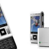 Den svensk-japanske mobilproducent Sony Ericsson skal fyre 2.000 medarbejdere som følge af tilbagegangen på mobilmarkedet. Foto: Scanpix