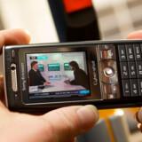 På nyere mobiltelefoner kan man se direkte fjernsyn, men det har endnu ikke vundet større udbredelse herhjemme. Foto: René Strandbygaard, TDC