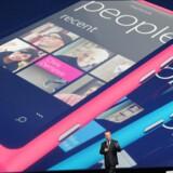 Microsoft forsøger - med Nokia som spydspids - at fremme udbredelsen af sin egen mobilsoftware Windows Phone. Imens skovler softwaregiganten penge ind fra det konkurrerende Android-styresystem. Arkivfoto: Paul Hackett, Reuters/Scanpix