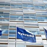 Nykredit Flag og Logo på Under Krystallen på Kalvebod Brygge.