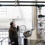 Stigende ølafgifter rammer de små bryggerier hårdt, siger Anders Busse Rasmussen fra Indslev Bryggeri.